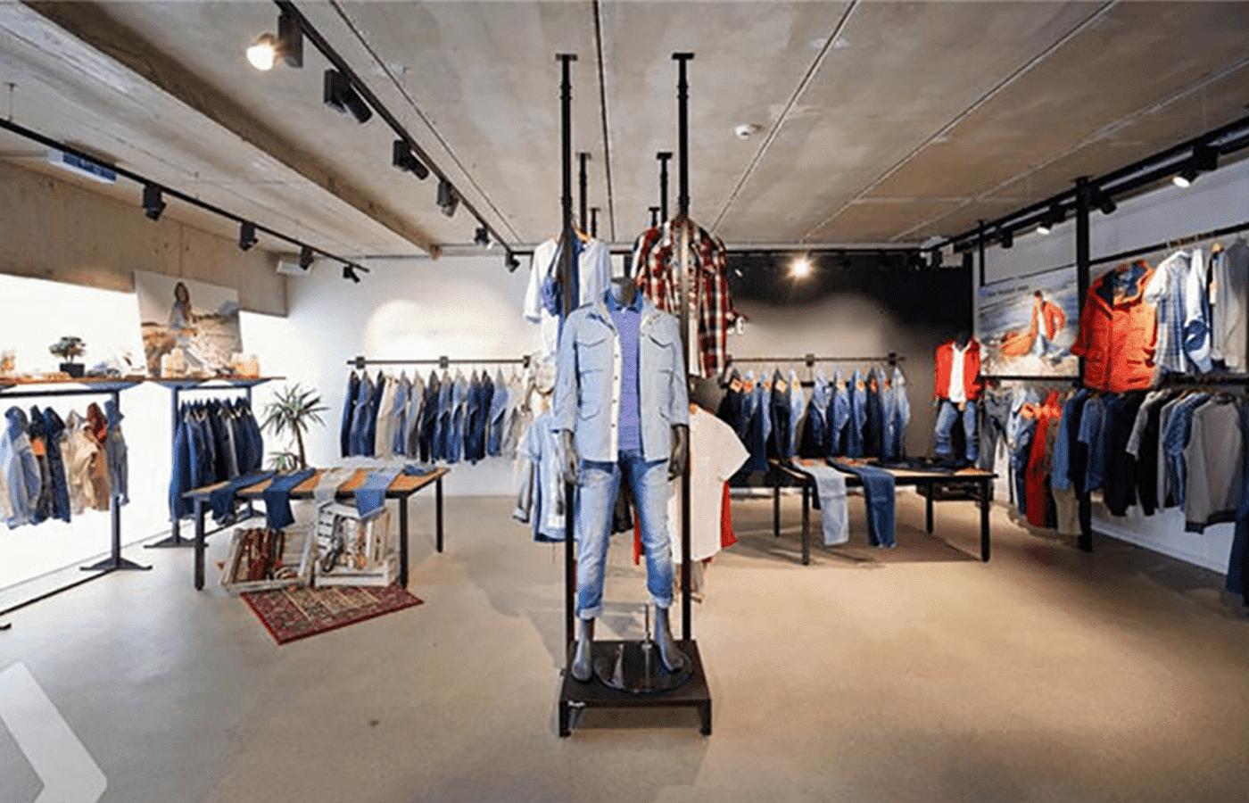 Cheap-Garment-Clothes-Shops-Furniture-Design-938x521