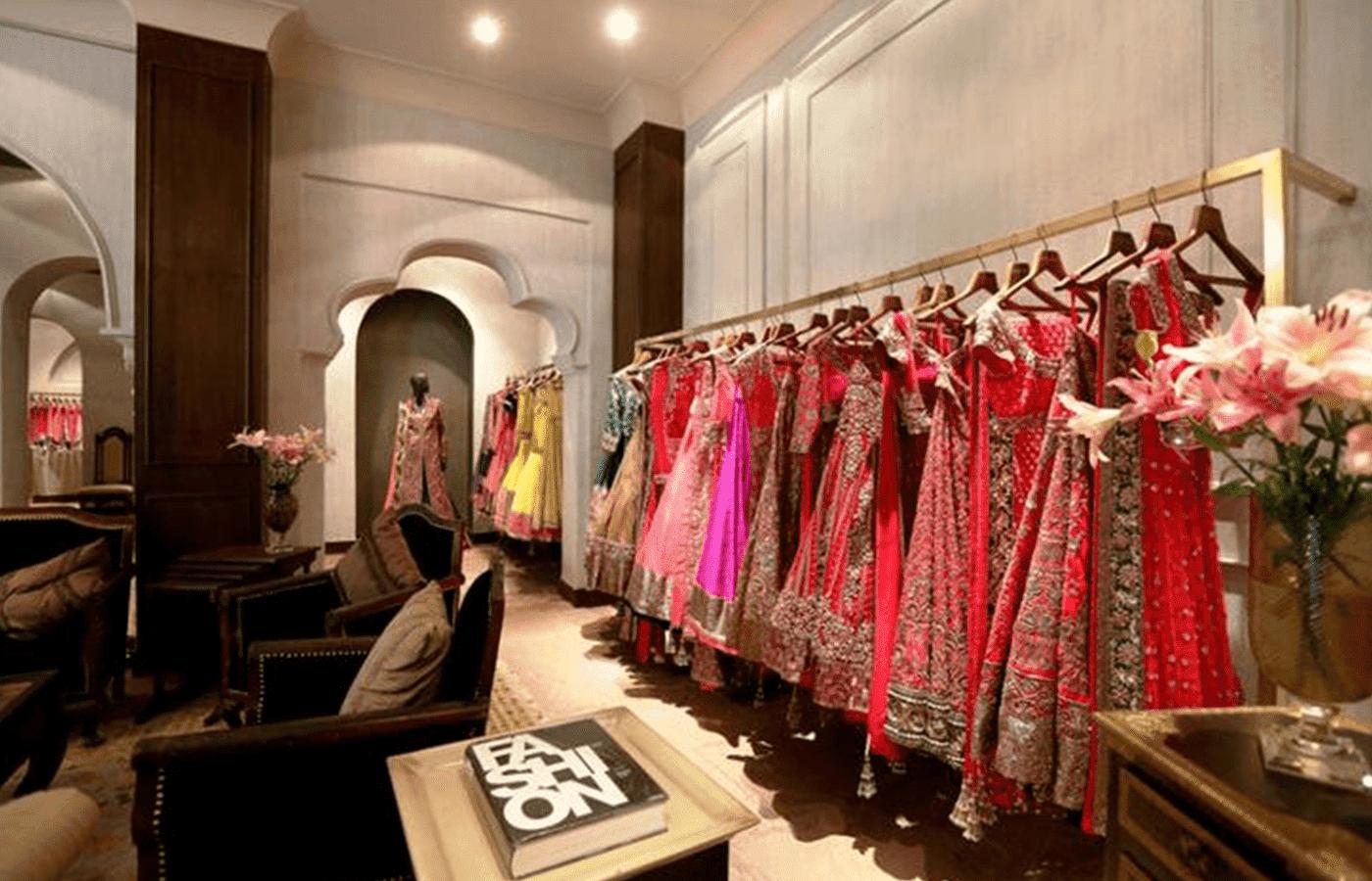 indian-clothing-store-interior-design-for-ladies-garment-shop-1-750x469