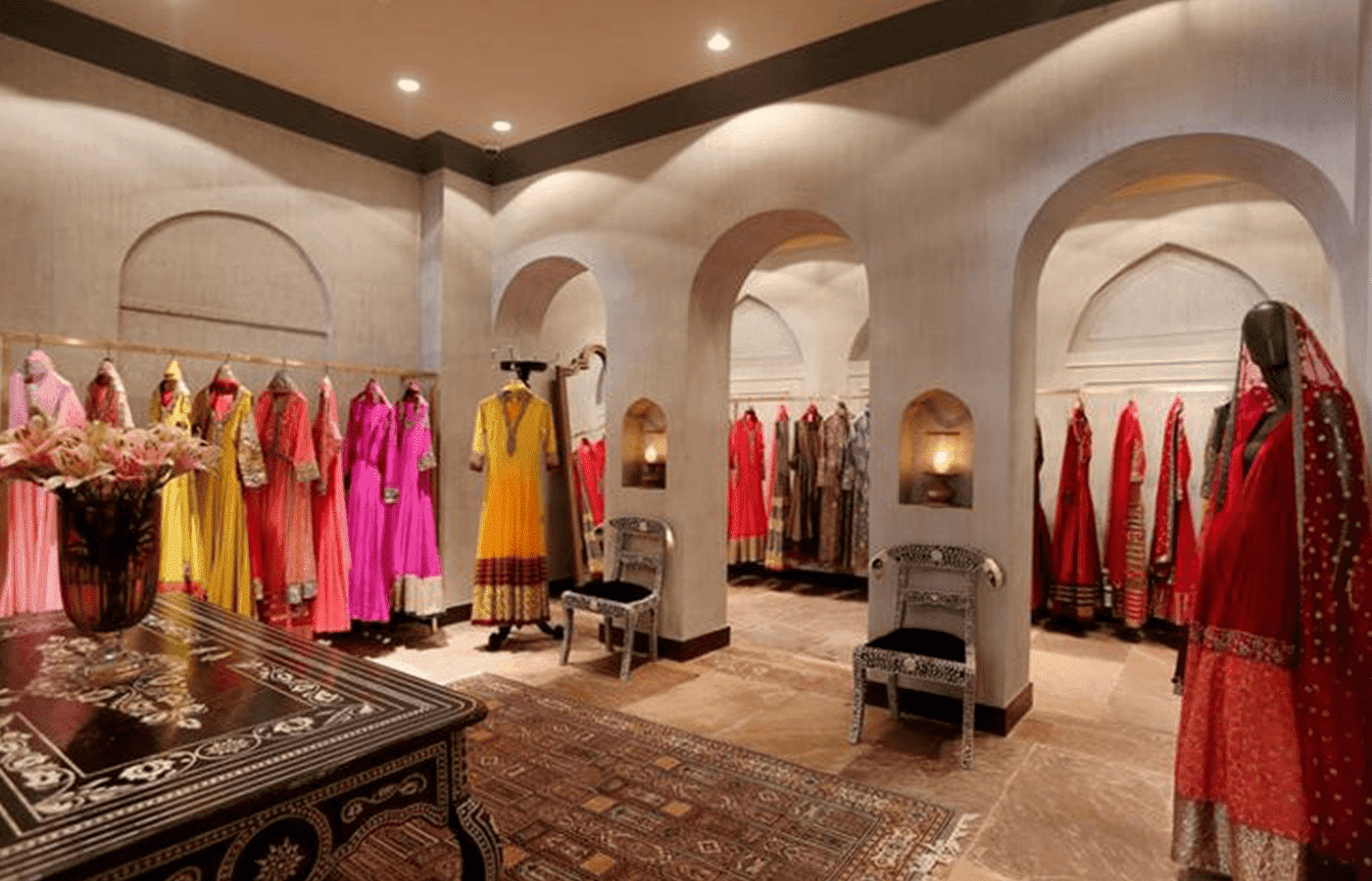 indian-clothing-store-interior-design-for-ladies-garment-shop-750x469